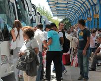 Otobüs biletlerinin yüzde 80i bitti... Otelcilerden önemli uyarı