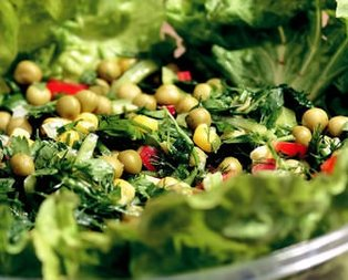 Bezelyeli Salata Tarifi