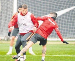 Sneijder&De Jong kulübeye