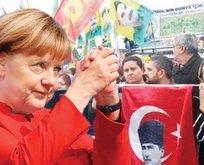 Çatıyı Merkel kurdu