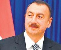Aliyev'den 255 gazeteciye ev