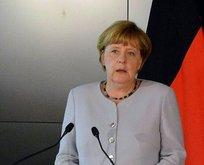 Merkel'den özeleştiri