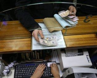 Döviz bozduran vatandaşa bankacı engeli