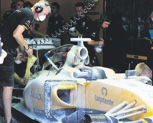 F1'de Magnussen ölümden döndü