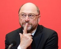 Schulzun partisi SPD çöktü