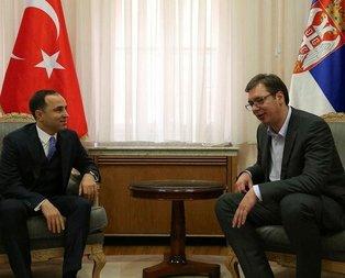 Sırbistan Başbakanı Vucicten Cumhurbaşkanı Erdoğana davet