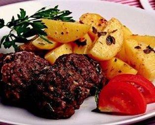 Fırın Torbasında Köfte Ve Patates Tarifi