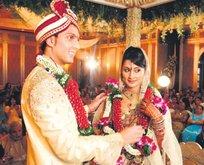 Bollywood geliyor
