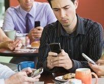 Telefonlardaki gizli tehlike! Mesaj boynuna dikkat!