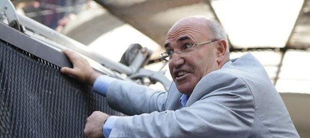 CHPli Mahmut Tanal öz abisini aşağıladı