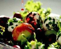 Vişne Sirkeli Yeşil Salata Tarifi
