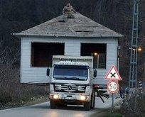 Evini kamyonla taşıdı! Görenler şok oldu