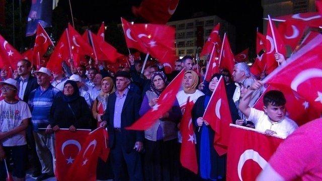 Yediden yetmişe Türkiye'de 15 Temmuz nöbetleri