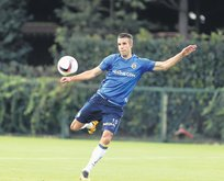 Van Persie Feyenoord'a Fernandao Olympiakos'a
