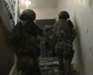 DEAŞlı teröristlerin evinden FETÖ yayınları çıktı
