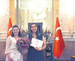 Türk piyanistlere çifte ödül