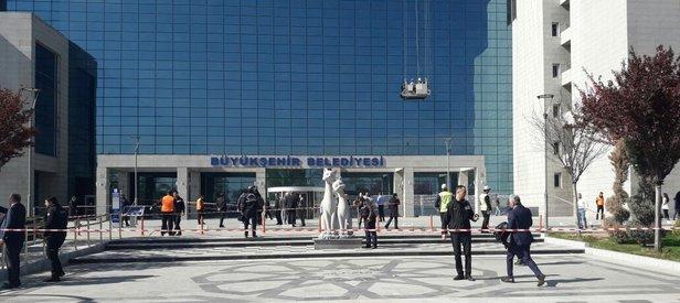 Ankara Büyükşehir Belediyesine ateş açıldı