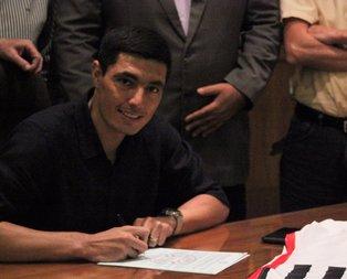 Oscar Cardozo imzayı attı