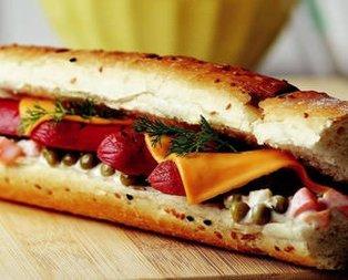 Sosisli Ve peynirli Sandviç Tarifi