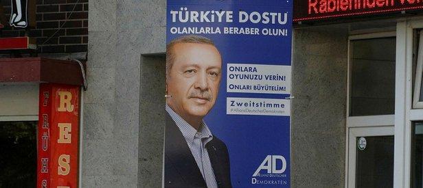 Erdoğanın oy çağrısı Almanyada seçim afişlerinde