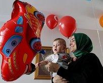 Bakan Kayadan 15 Temmuz şehidinin oğluna yaş günü sürprizi