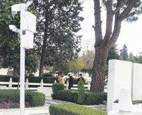 Koç'un mezarına kameralı koruma