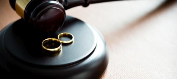 Çiftler çekişmeli boşandı