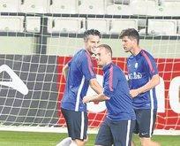 RVP & Sneijder yok Lens kadroda