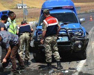 Askeri araç ile otomobil birbirine girdi! 1 ölü, 4 yaralı