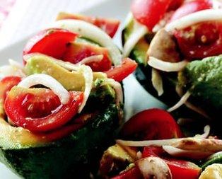 Avakadolu Domates Salatası Tarifi