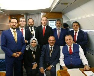 Erdoğan, gazetecilerle hatıra fotoğrafı çektirdi