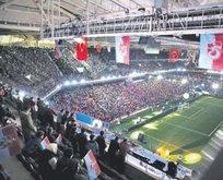 Bordo-Mavililer yeni stadı sevdi