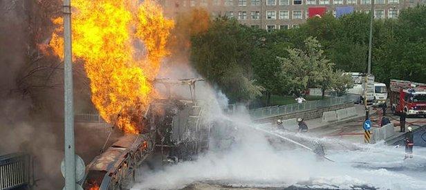 Ankara Adliye sarayı önünde doğalgaz patlaması!