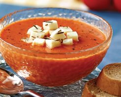 Otlu Peynir Kremalı Domates Çorbası Tarifi