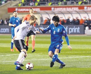 Almanya Azerbaycan'ı geçerek 5'te 5 yaptı