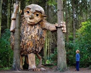 Ormanın içindeki devler yüreğinizi ağzınıza getirecek!