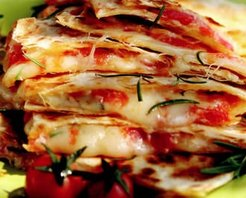 Lavaşlı Kolay Pizza Tarifi