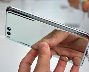Telefon piyasasını altüst etti! Apple ve Samsungu...