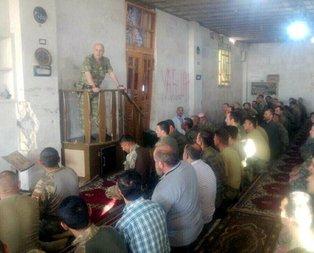 Zekai Aksakallı El Babda askerlerle bayram namazı kıldı