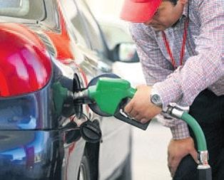 Benzin 14 kuruş düştü