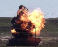 Teröristler bombalı araçla birlikte havaya uçuruldu