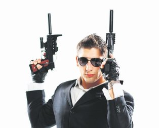 Silah tacirlerine operasyon