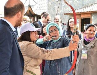 Emine Erdoğan, Kazakistan'da etnik köy ziyaret etti!