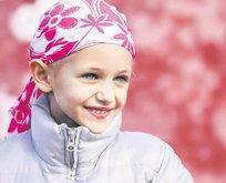 Kanser illeti sarıyor aileyi