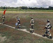 Hindistan, Arakanlı Müslümanlara sınırını kapattı!
