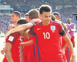 İngiltere 1 puanı 90+3'te kurtardı