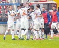 Medipol Başakşehir devleri solladı