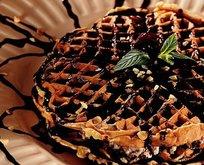 Labneli Çikolata Soslu Waffle Tarifi