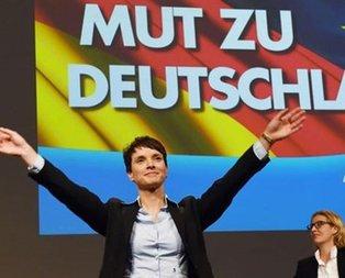 Naziler Alman meclisine girdi