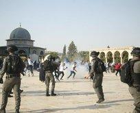 Katil İsrail polisi Filistinlilere saldırdı